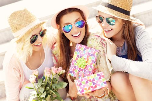 5 Unique Birthday Presents for Your Girlfriends