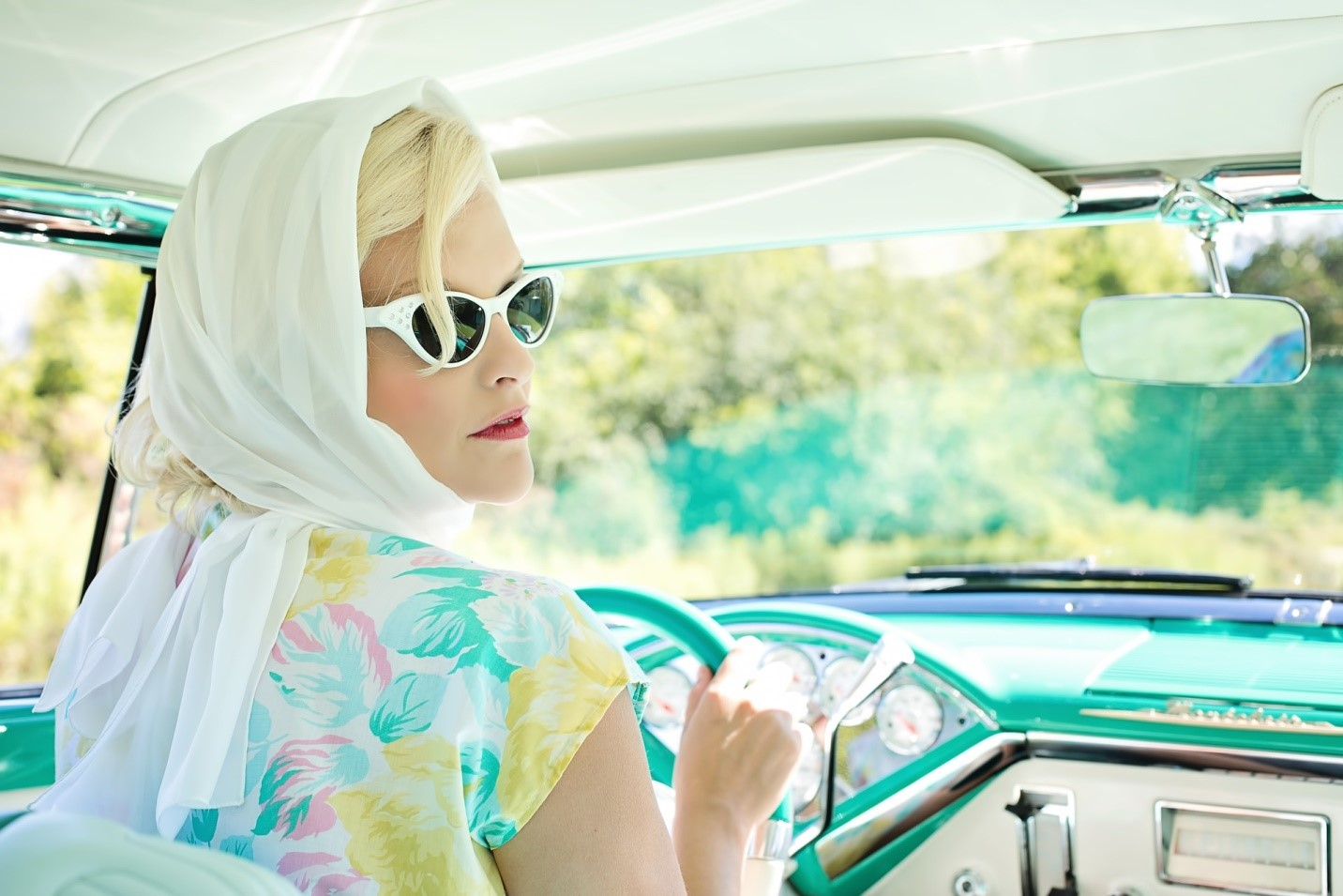 How Can You Keep Hair In Place When In A Convertible Car?