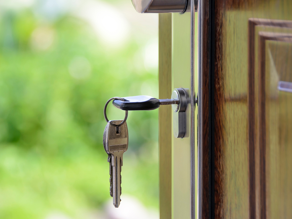 Home Security Tips: How to Keep Your Home Safe While Traveling